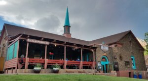 This Pizza And Pasta Restaurant In Utah Was Once A Mormon Church