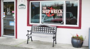 Savor A Balmy Brunch At The Charming Shipwreck Cafe In Washington