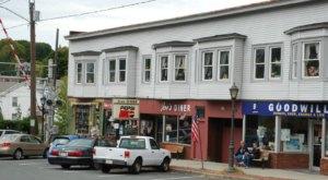 9 Of The Best Mom-and-Pop Restaurants In Massachusetts