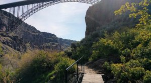 Explore The Bottom Of The Snake River Canyon In Idaho On The Stunning Mogensen Trail