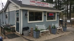 Voted The Best Burgers In Connecticut, Lake Zoar Drive-In Has Food So Delicious You Won't Want To Resist