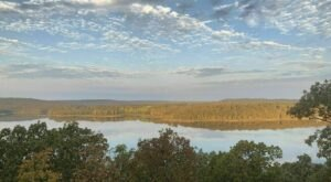 Oak Leaf Nature Trail Is A Gorgeous Forest Trail In Oklahoma That Will Take You To A Hidden Overlook