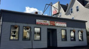 Home Of The 1-Pound Poutine, Chez Vachon In New Hampshire Shouldn't Be Passed Up