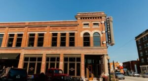 Take A Day Trip To Pawhuska And Discover The Pioneer Woman Mercantile In Oklahoma