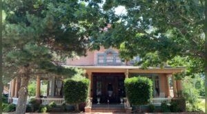 Stay Overnight In A Victorian, Three-Story Bed And Breakfast At The Grandison Inn In Oklahoma