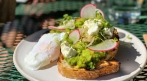 You're Not A True Southern Californian Until You've Tried Avocado Toast, The State's Most Famous Dish