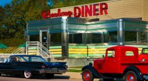 People Drive From All Over To Visit The Gorgeous Broadway Diner, A Fully Restored Vintage Diner From 1954