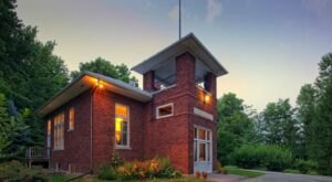 Spend The Night In A Former School From The 1900s At Wilson Schoolhouse Inn In Wisconsin