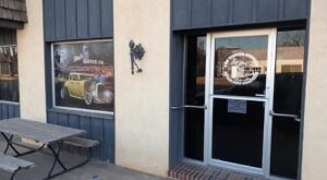 Claim Your Carnivore Delight At The Filling Station In Kansas