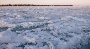 These 9 Photos Of A Frozen Detroit River Will Take Your Breath Away