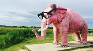 Visit Pinkie the Elephant, A Quirky Roadside Attraction In Wisconsin