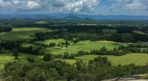 Glassy Mountain Trail Is An Easy Hike In South Carolina That Takes You To An Unforgettable View