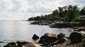 This Hidden Beach Along Minnesota's North Shore Is The Best Place To Find Agates