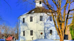 The Old Round Church in Richmond is a Pretty Place of Worship in Vermont