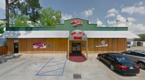 Small Town Meets Big Flavors At Rocky's Tails & Shells In Louisiana