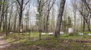 You Won't Want To Visit The Notorious Glenbeulah Cemetery In Wisconsin Alone Or After Dark