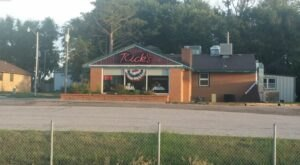 Feel Right At Home With Homestyle Eats At Rick's Restaurant In Kansas