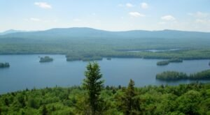 Hike The Gorgeous Castle Rock Trail For Incredible Scenes Of New York's Blue Mountain Lake