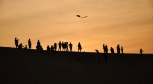 The Tallest Sand Dune In The Eastern U.S. Is In North Carolina And It's A Must-See