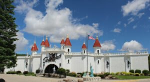 There's A Castle In Iowa That's Also A Roller Rink And It's A Skater's Happy Place