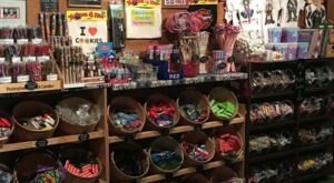 The Absolutely Whimsical Candy Store In Wisconsin, Uncle Tom's Candies, Will Make You Feel Like A Kid Again