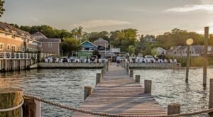 Enjoy Island Cuisine At This Beachside Restaurant And Bar In New York