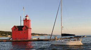 One Of The Most-Photographed Lighthouses In The Country Is Right Here On The Michigan Coast