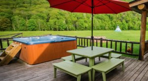 Soak In A Hot Tub Surrounded By Natural Beauty At These 5 Cabins In Vermont
