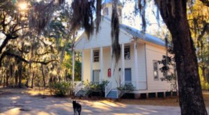 Here's What Life Is Like On The Tiny Island In South Carolina With No Cars