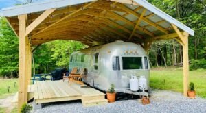 Spend The Night In An Airbnb That's Inside An Actual Vintage Airstream Right Here In Maryland