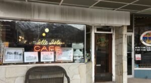 Idle Isle Café Is A Little-Known Utah Restaurant That's In The Middle Of Nowhere, But Worth The Drive