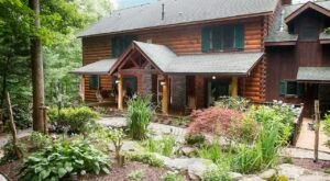 Make Your Escape To Lazy Bear Lodge, An Isolated Lodge In North Carolina