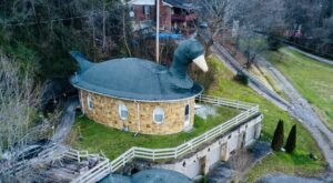 You Can Spend The Night In A Goose At The Quirky Mother Goose Inn In Kentucky