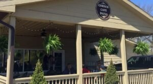 Enjoy Patio Dining, Grecian Specialities And Scrumptious Brunch Options At The Corner Cafe In Ohio