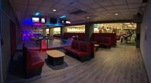The World's Largest Candlepin Bowling Center Has 36 Lanes And It's Right Here In New Hampshire