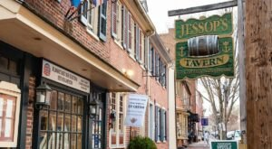 Sip Drinks While You Enjoy A Bit Of History At Jessop's Tavern And Colonial Restaurant In Delaware