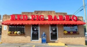 The Iconic Red Pig Bar-B-Q Restaurant In Tennessee Has Some Of The Most Mouth-Watering Barbecue In The State