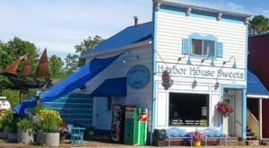 Your Sweet Tooth Will Explode When You Visit Wisconsin's Harbor House Sweets, A Small Town Sweet Shop With A Huge Selection