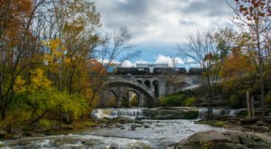7 Cleveland Metroparks Hikes That Lead To Extraordinary Attractions