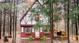 This Woodland Chalet Is The Most Bookmarked Airbnb In Pennsylvania And It's So Easy To See Why