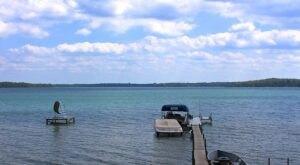 Deer Lake In Minnesota Has Clear Waters That Rival The Caribbean
