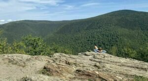 Massachusetts' Easy Stony Ledge Trail Will Take You To Mountain Views In Less Than 60 Minutes