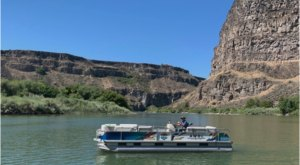 This Scenic Boat Tour To Pillar Falls In Idaho Is An Exhilarating Adventure In The Snake River Canyon