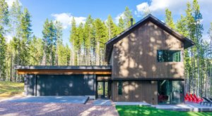 Your Dream Vacation Awaits At This Modern Lakeside Montana Cabin