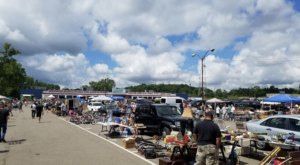 The Biggest And Best Flea Market Near Detroit, Dixieland, Has Now Re-Opened