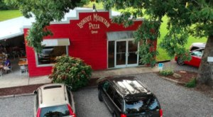Lookout Mountain Pizza Company Is A Georgia Pizza Joint In The Middle Of Nowhere
