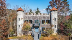 You Can Rent An Entire Castle In Tennessee, Braxdon's Castle, For Less Than $525 A Night