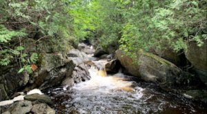 Cascade Stream Gorge Trail Is An Easy Hike In Maine That Takes You To An Unforgettable View