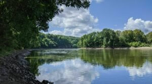 Cedar Cliff Trail Is An Easy Hike In Iowa That Takes You To An Unforgettable View