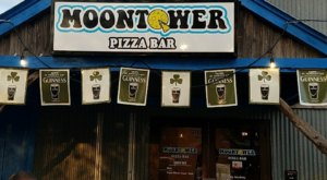The World's Largest Pizza Can Be Found Right Here In Texas At Moontower Pizza Bar
